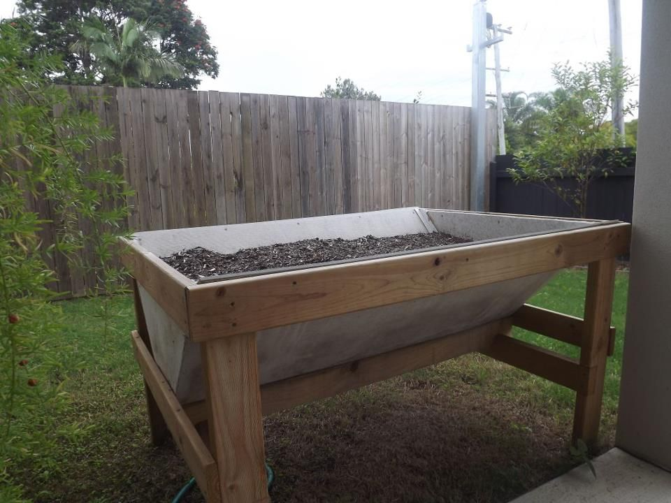 ... for Small Yards raised garden bed plans on legs Building Raised Beds
