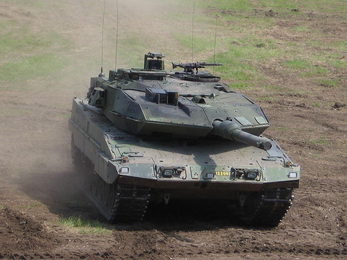 1200px-Strv122_3_cropped